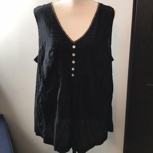 Avenue Black sleeveless blouse 22/24